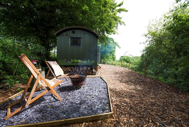Largin's Shepherd's View is a gorgeous, totally bespoke hideaway set in the most wonderful little wooded copse.