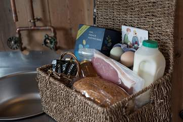 The Owner provides a fabulous welcome breakfast hamper for your arrival with fresh farm produce - a great start to your holiday!