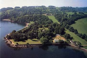 The cottage is set within Mount Edgcumbe Country Park where there is so much to discover