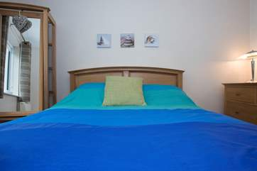 Bedroom 1 has a 5' double bed.