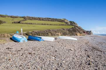 The beach is so unspoilt, there is a beachside car park and a cafe/shop, and of course the South West Coastal Path to challenge you.