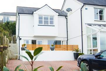 Bay Retreat is a ground floor apartment, semi-detached from the Owners' home.