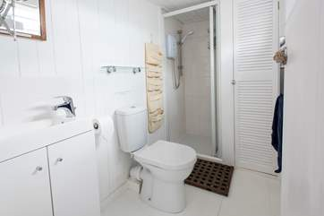 For a small cabin the shower-room is a good size.