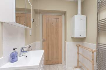 Another view of the shower-room to give you a good impression of its size.