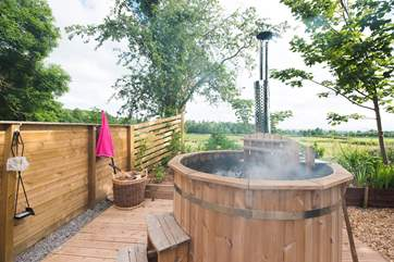 The wooden hot tub is so atmospheric - soak up a starry night - all your logs are provided.