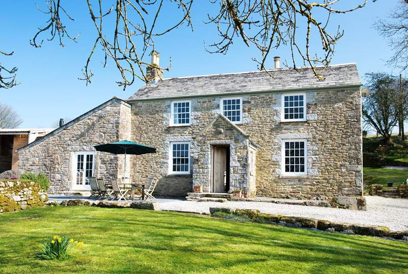 Trewint is a gorgeous Grade II Listed former farmhouse.