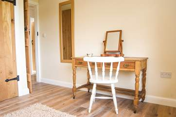 A pretty vintage dressing table in Bedroom 1.