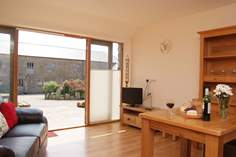 The Top Shelter - Holiday Cottage - 1.8 miles W of Lamorna Cove