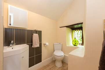 This is its en suite - the shower is separate but also en-suite to the bedroom.