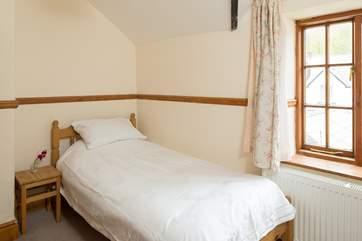 The single bedroom (bedroom 2).