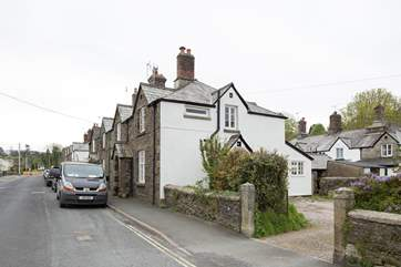 The cottage is the one at right angles to the road with a narrow entance into the parking area, only suitable for up to a medium-sized car.