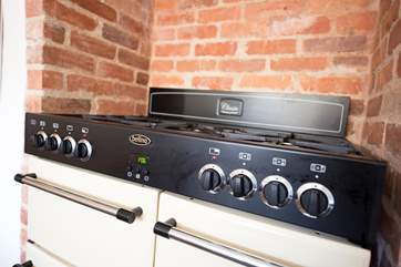 The dual fuel cooker (gas hob, electric oven),