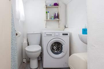 The little utility room with a WC too.