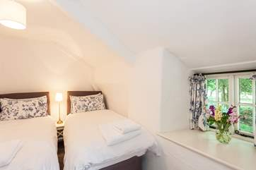 Cosy bedroom 2.