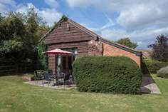Oak Tree Barn - Holiday Cottage - 4.5 miles NE of Taunton