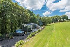 We Two Shepherd's Hut - Holiday Cottage - 5 miles NE of Liskeard