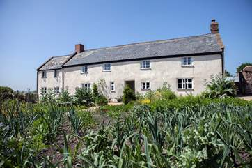 River Cottage HQ is a wlakable distance across the fields