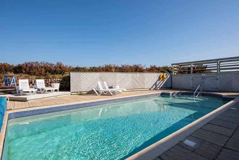 The fabulous swimming pool.