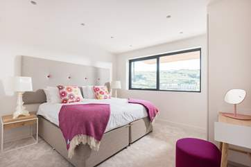 This gorgeous bedroom has a super-king 6ft double bed which can also be made up as two 3ft full size single beds. (there are now blinds at the windows)