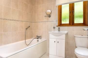 The en-suite bathroom...