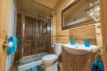 The shower-room in the cabin.