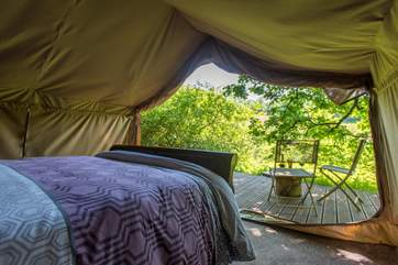 What a treat of a view. Waking up with the sound of nature all around you.