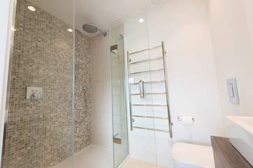 The master bedroom en suite shower-room with large cubicle for maximum shower enjoyment.