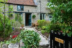 2 Batch Cottages - Holiday Cottage - 5.7 miles E of Glastonbury