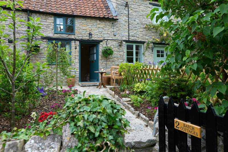 2 Batch Cottages is the most beautiful little stone cottage, full of warmth and character - the perfect bolt-hole for two.
