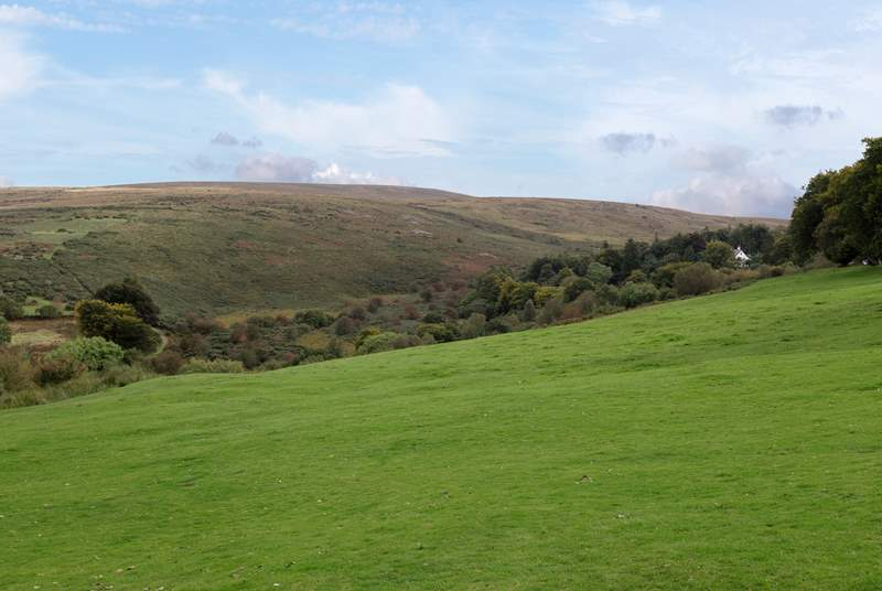 A 15 minute drive takes you to Belstone right on the edge of Dartmoor National Park. You can leave your car by the village green and set off for an amazing walk.