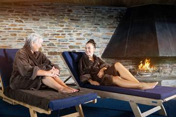 Relax by the pool in your complimentary robes, there is also an sauna and outdoor hot tub!