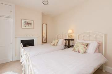 At the front of the cottage there is a twin bedroom.