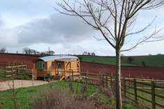 The Wagon with Faraway Views - Holiday Cottage - 6.7 miles W of Crediton