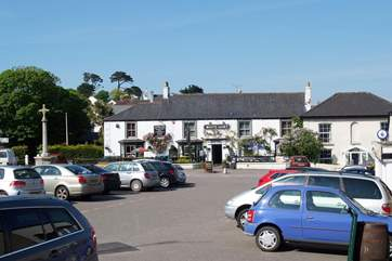 The White Hart pub offers a warm welcome as does theThree Tuns next to the church, two pubs in this village, what a bonus!