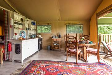 The kitchen has a gas hob, hot running water a fridge and a freezer for essential ice and holiday treats.