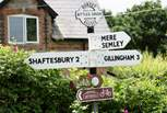 The village of Motcombe has a village shop and a pub, both within easy walking distance.