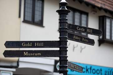 The nearby hilltop Saxon town of Shaftesbury has a relaxed atmoshpere and much to see.