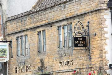 Tour the beautiful historic buildings in Shaftesbury.