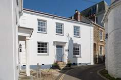 Russell House - Holiday Cottage - St Mawes