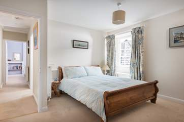 Bedroom 1 has a kingsize (5') bed.