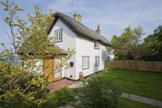 1 Thatched Cottage  - Holiday Cottage - Seaview