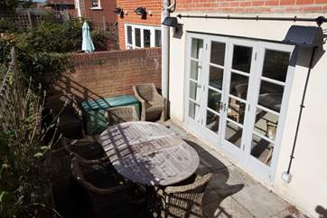 The enclosed garden is perfect for the children and pets to have a run around and let off steam.