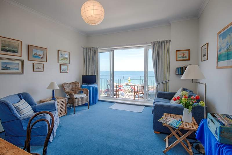 2 Quay Rocks homes traditional furniture, with fantastic views across the Solent.