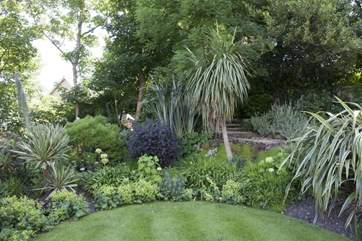 Extensive grounds which are well worth exploring.