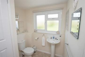 Light and modern bathroom.