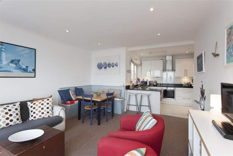 Lovely, modern and sunny open plan living space