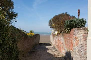 Access to the beach isn't far at all! With a pathway next to the building, you don't have to walk far to get to the beach