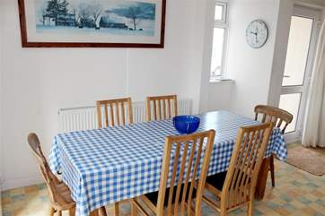 Dining area in the kitchen with seating for 6