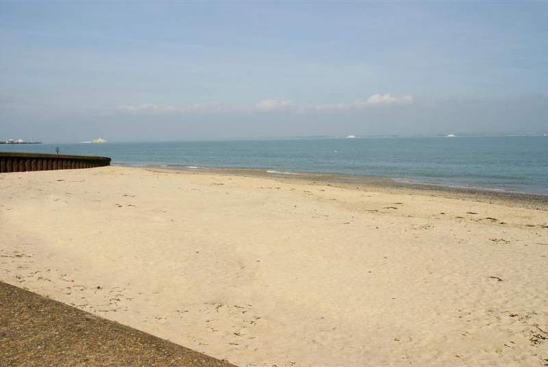 Appley Beach is a wonderful long stretch of sand, perfect for families with children of all ages.