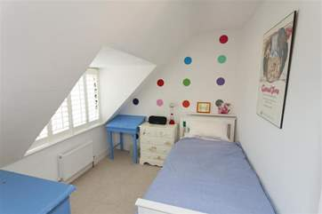 Single bedroom in the eaves on the second floor